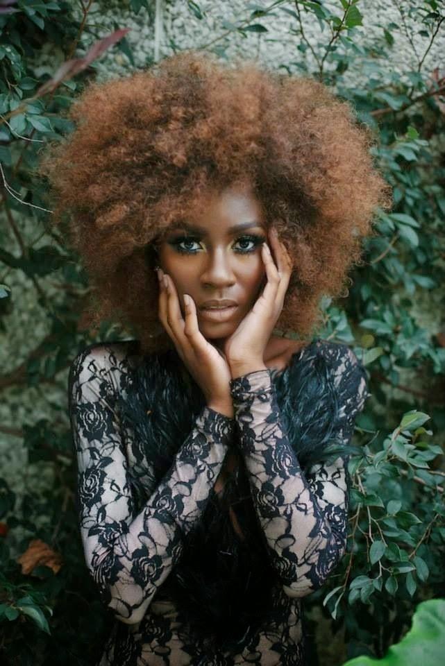 Coiffure cheveux naturels femmes noires for Coupe cheveux afro naturel