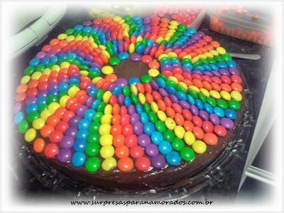 bolo de chocolate com m&m's