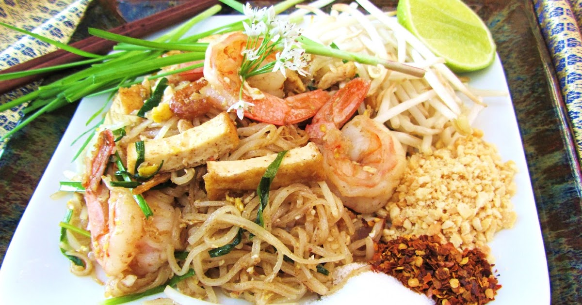 Lets eat......simple!: Pad Thai Koong (shrimp)