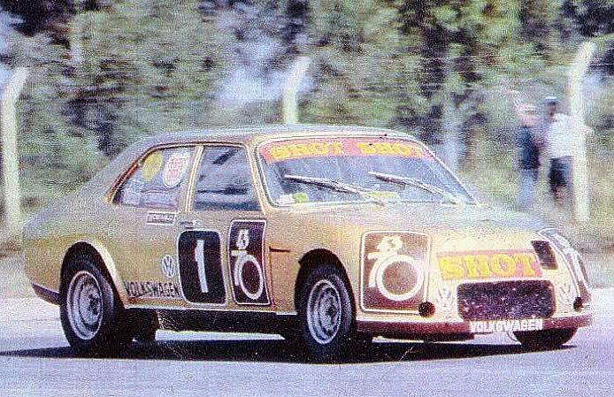 19 de diciembre, 1982 / JORGE OMAR DEL RIO ERA OTRA VEZ CAMPEON DEL TC2000