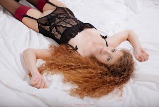 射精色情 - feminax-sexy-vanessa-nude-poses-my-pussy-is-all-you-need-09-781099.jpg