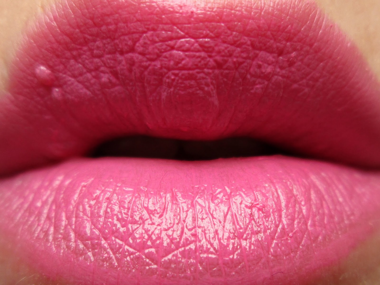 Essence-Long-Lasting-Lipstick-Cotton-Candy-Swatch