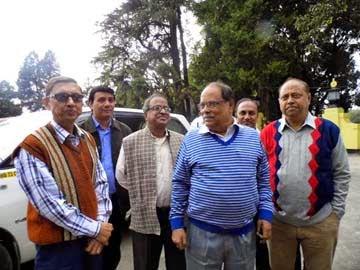 Darjeeling Left Front submits memorandum to guv Kesharinath Tripathi