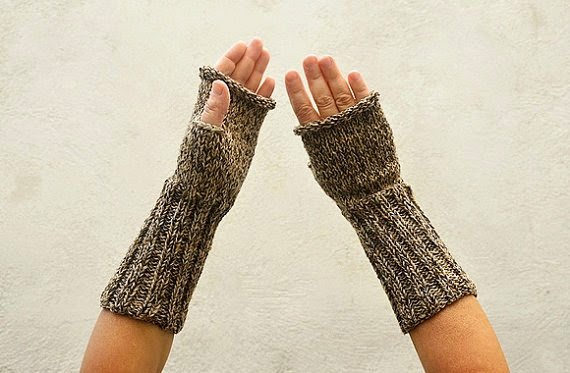 https://www.etsy.com/listing/169124040/beige-brown-arm-warmers-long-mittens?ref=favs_view_3