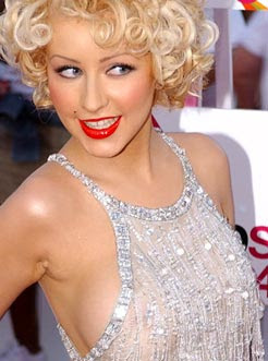 Christina Aguilera legally divorced