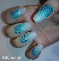 http://gelicnailart.blogspot.se/2013/02/nude-crackle-over-metallic-blue-to-nude.html