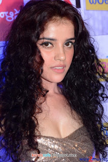 Piaa Bajpai Cute photos