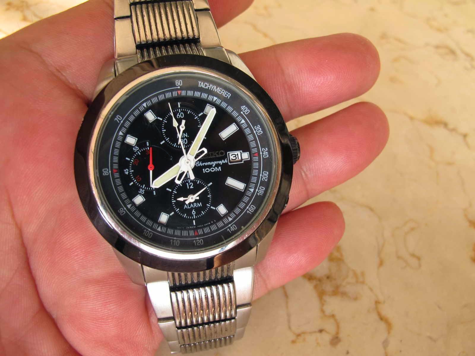 Kondisi jam baik rantai cukup untuk pergelangan tangan 17 cm Cocok untuk Anda yang sedang mencari jam tangan Japan made Chronograph Quartz