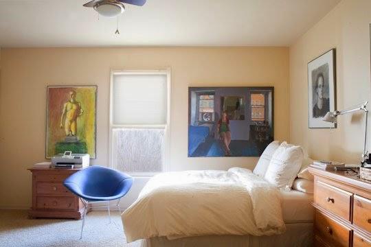 versão acolchoada da Cadeira Diamante de Harry Bertoia - foto reprodução de Apartment Therapy