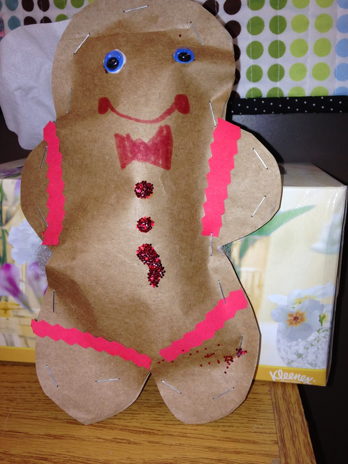 The kindergarten teacher gingerbread activities for Gingerbread crafts for kindergarten