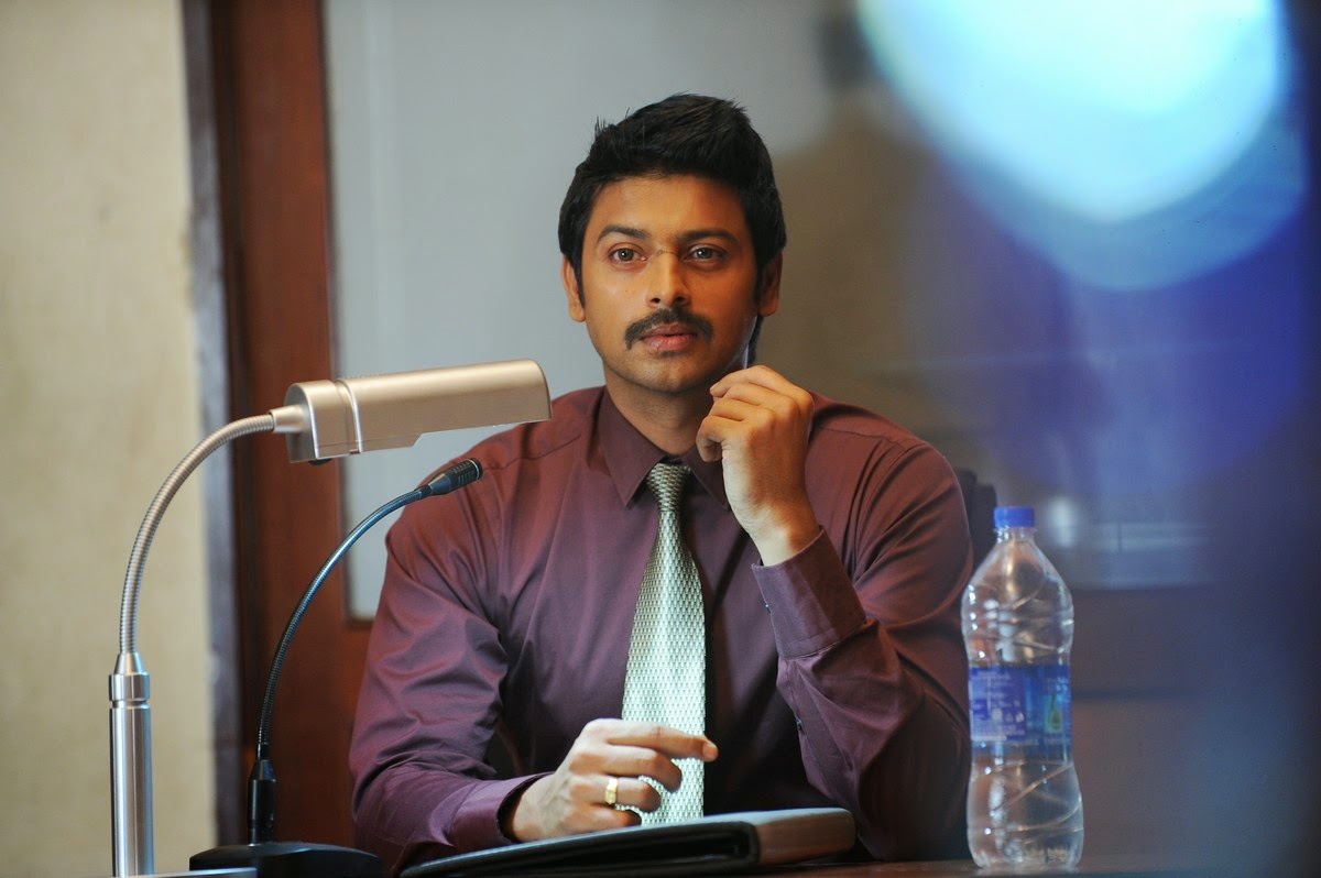 Nambiyaar Tamil Movie Photos Gallery-HQ-Photo-10