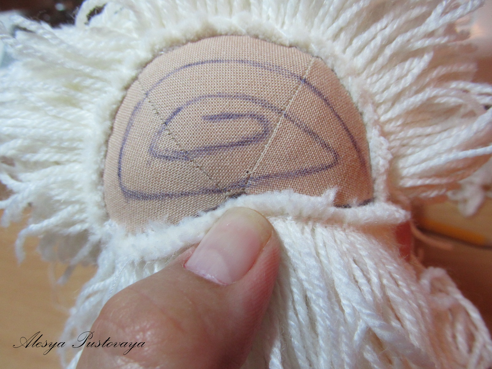 Как сделать парик кузи домовенка своими руками