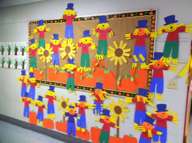 Second grade smiles fall classroom decorating ideas for Autumn classroom decoration