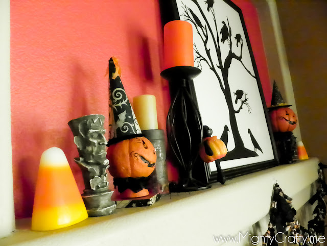 Halloween Mantel - www.MightyCrafty.me