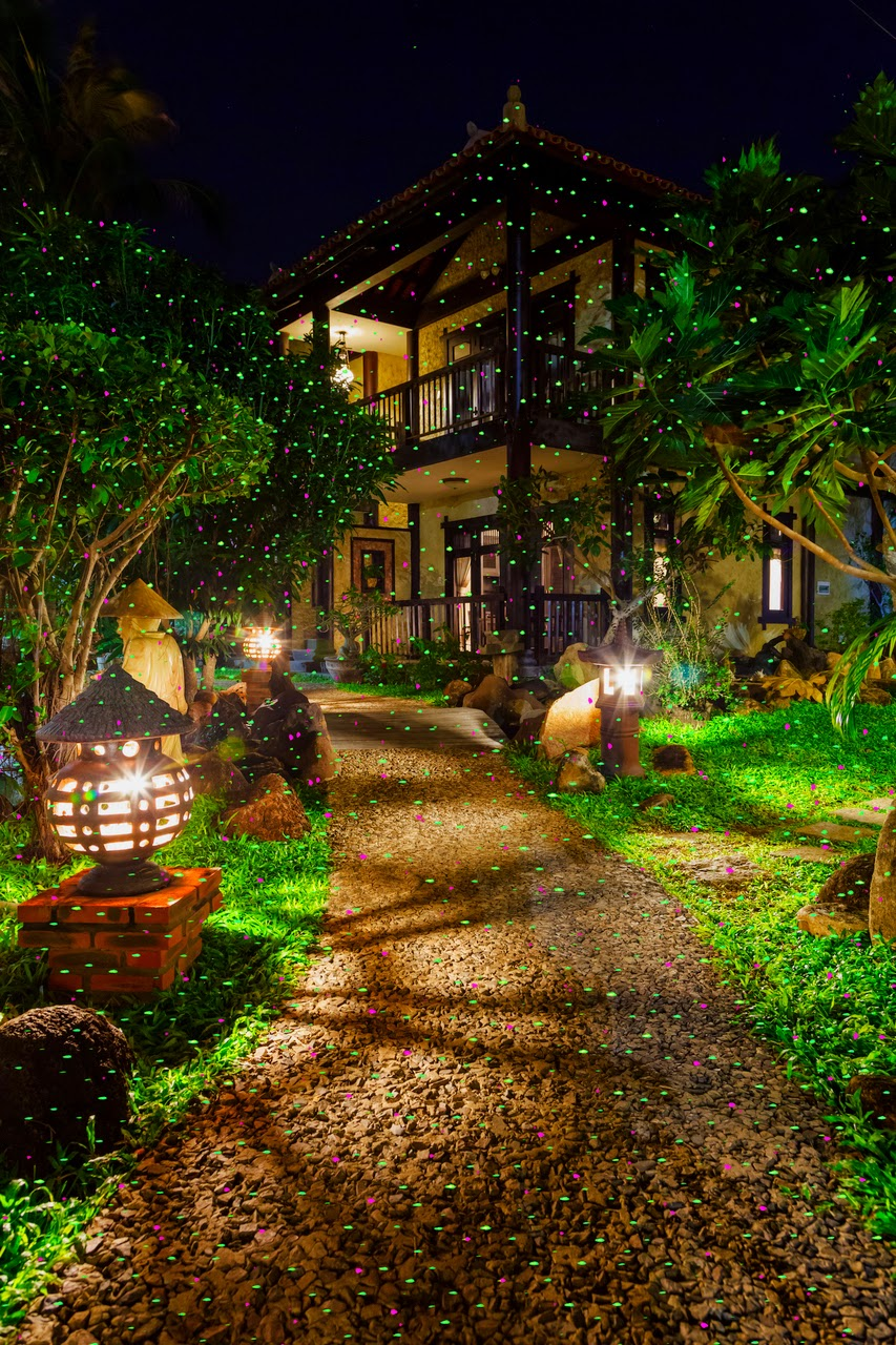 Enter the Night Stars Landscape Lighting Giveaway. Ends 8/8.