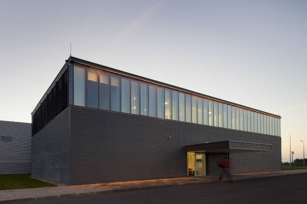 Alberta norweg julio 2012 for Factory building design
