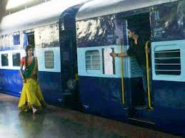 Shah Rukh Khan and Deepika Padukone in Chennai Express Movie