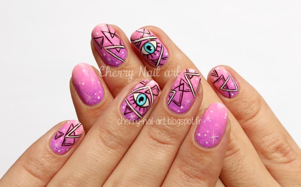 nail art esoterique galaxie triangles