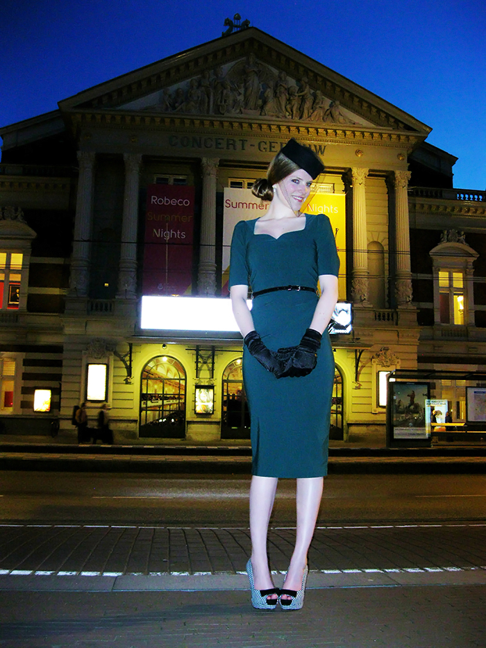 Pinup vintage fashion blogger pillbox veil houndstooth midi dress Amsterdam Concertgebouw