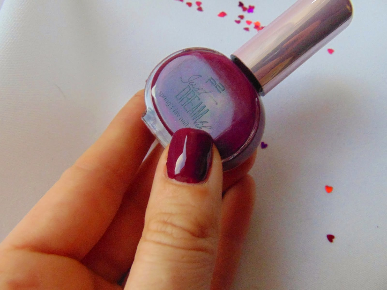 p2 Limited Edition: Just dream like - spring's fav nail polish - cassis passion Swatch - www.annitschkasblog.de