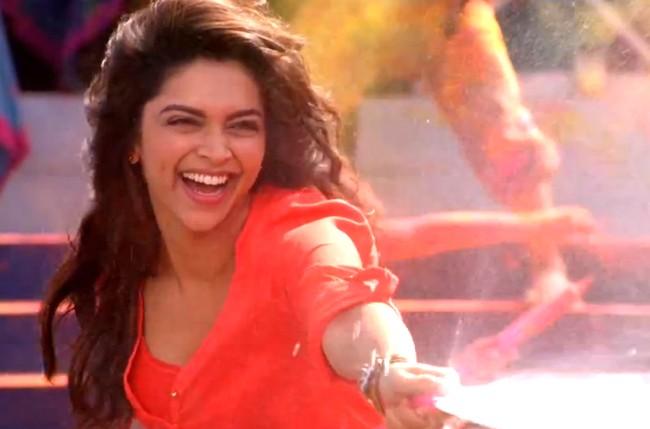 Deepika Padukone Yeh Jawaani Hai Deewani Balam Pichkari Video S...