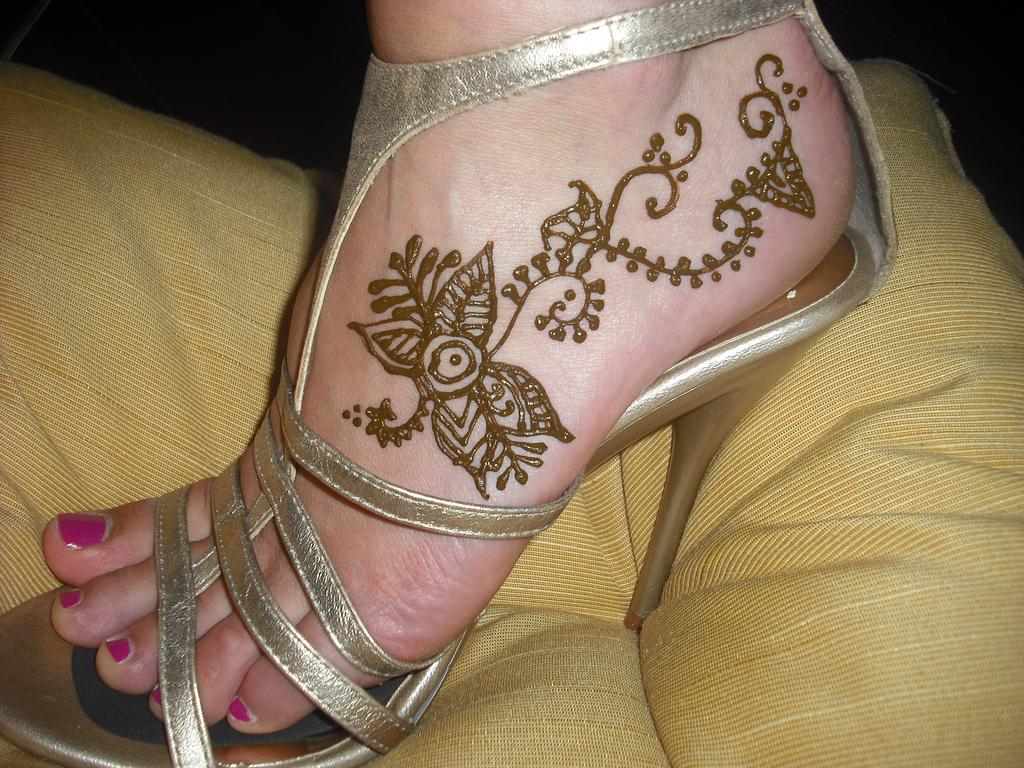 Mehndi For Foot : Henna indian mehndi foot design beautifull and latest