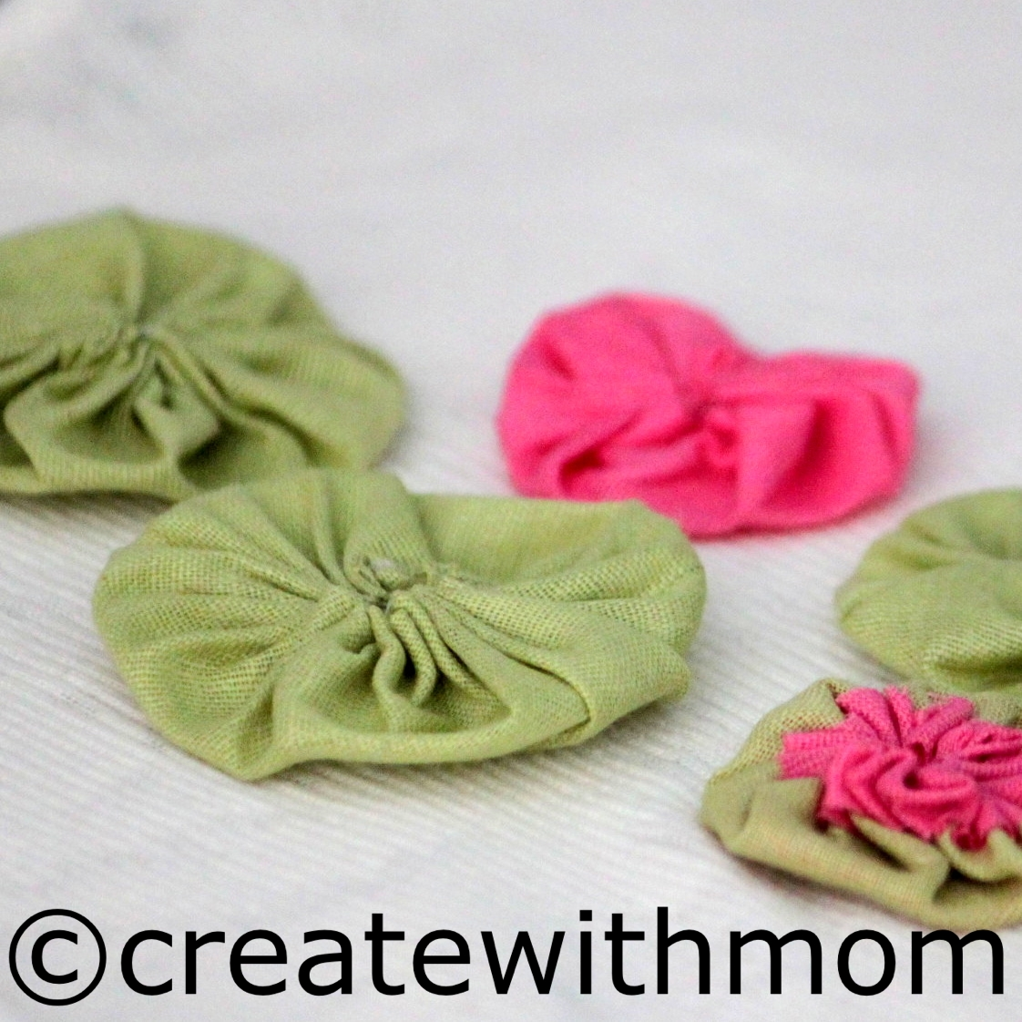 how to make fabric yoyos