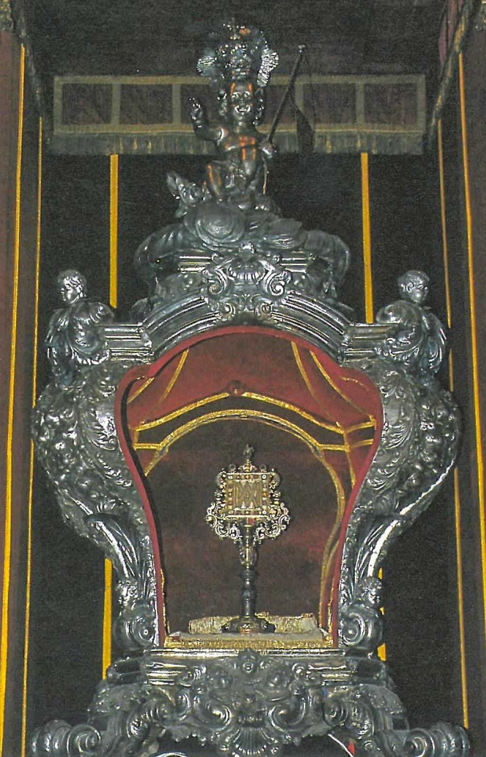 H Ζώνη της Παναγίας της Tortosa http://leipsanothiki.blogspot.be/