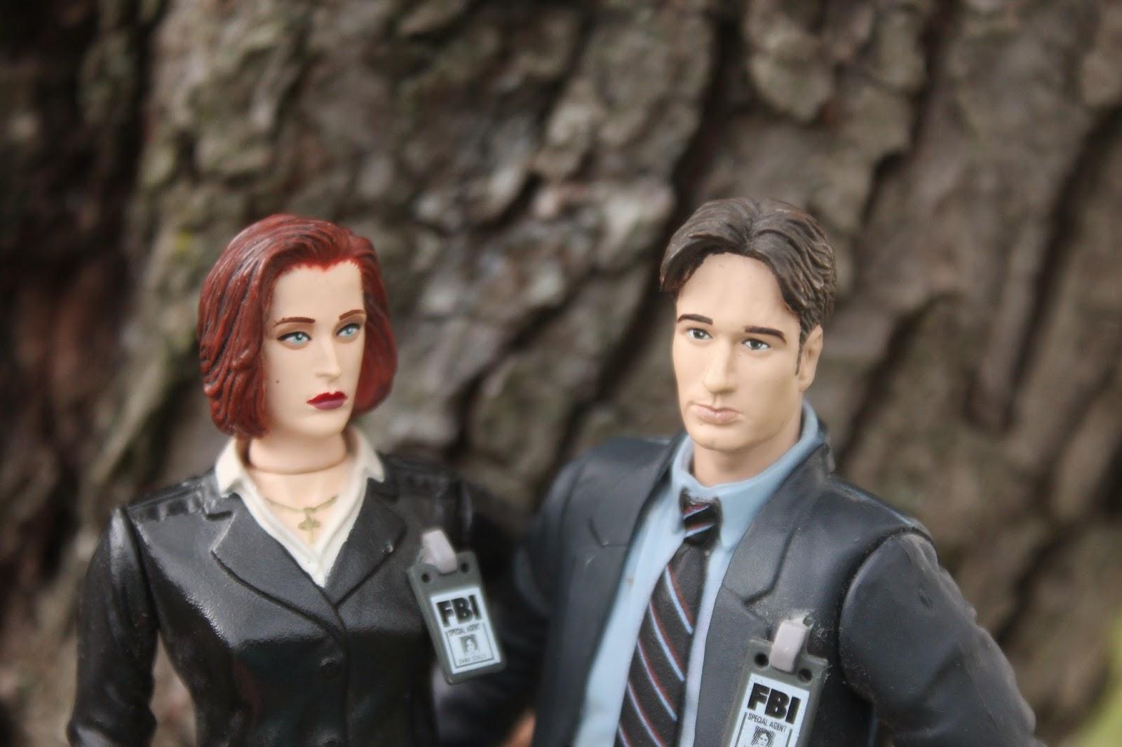 Barbie The X-Files Agent Dana Scully Doll | Dana scully, X