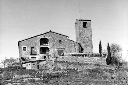 Sant Feliuet de Terrassola abans de la restauració de 1974-1977. Autor: Josep Sansalvador. Arxiu Gavín. Any 1968