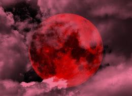 Τα κόκκινα Φεγγάρια του Έρωτα