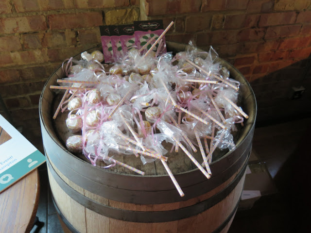 cake pops from cake cetera southampton
