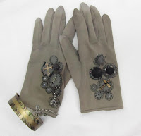 https://handmadeartists.com/product-details/Accessories/Gloves/Steampunk%20Vintage%20Gloves/?pid=20131120093539a0b92