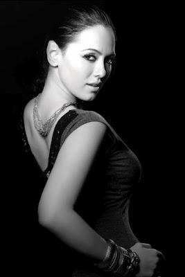 tamil Film Actress Sana Khan Hot Photo Gallery