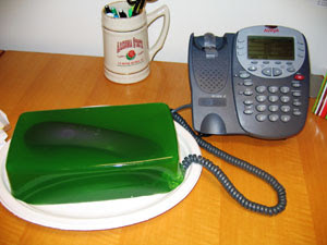 phone in green jello t Funny Pictures: 30 Great Office Pranks.
