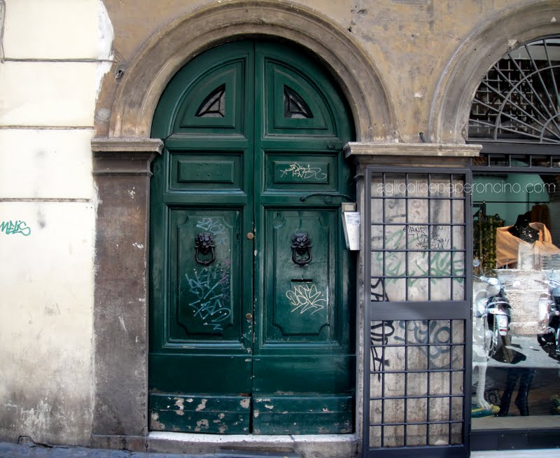 Green doors & Aglio Olio e Peperoncino: Green doors