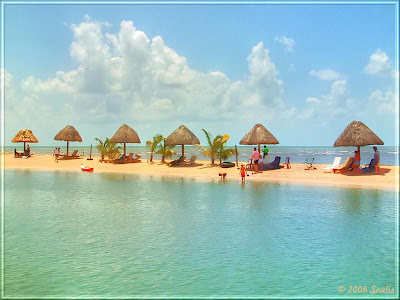 Cucumbar Beach Belize poto