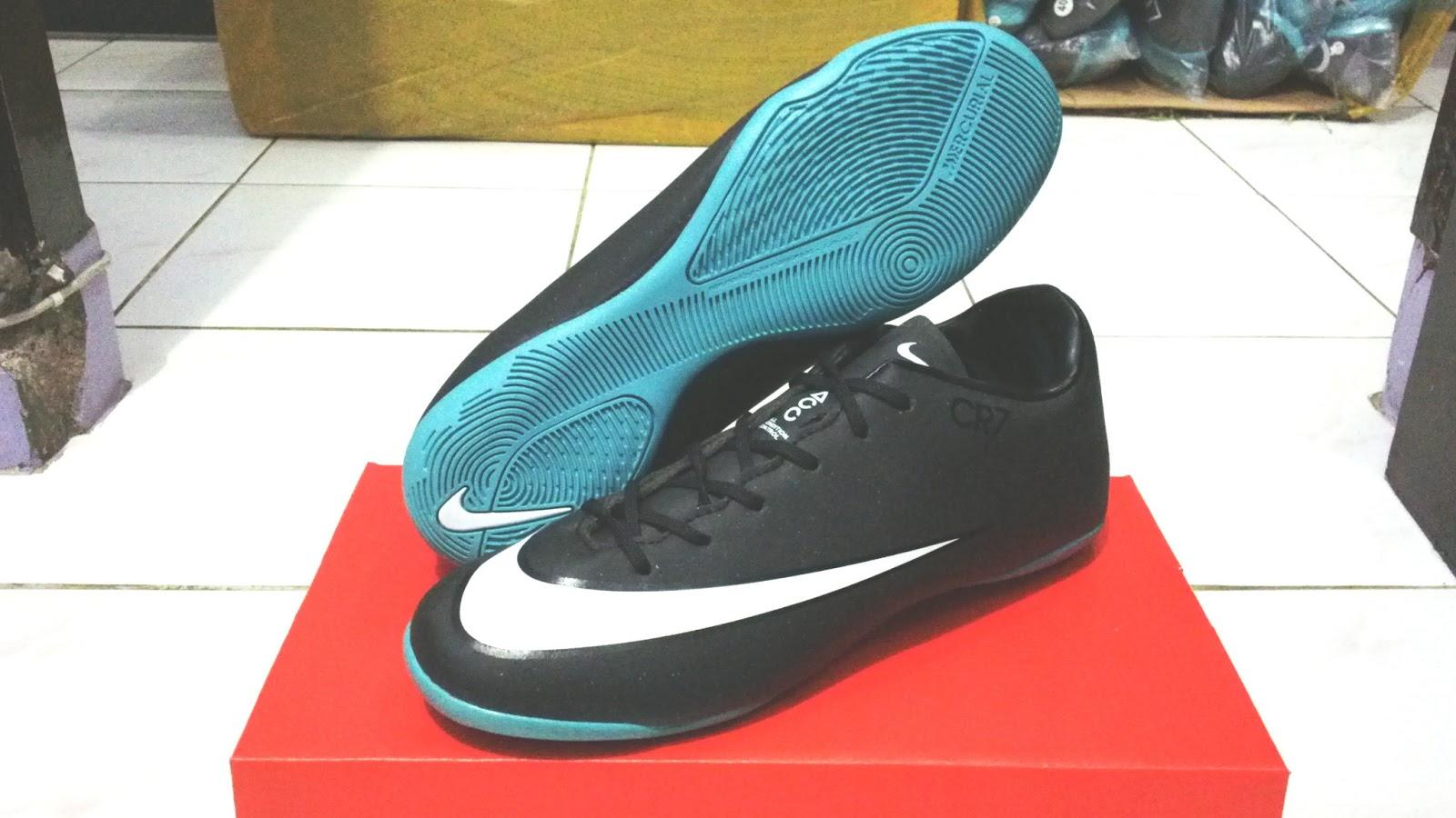 Harga Dan Spesifikasi Sepatu Futsal Anak 1 Terbaru 2018 Acrorip 903 One Phase Print Tinta Putih Warna Bersamaan Nike 082370086410 Nikesepatu Bola Nikebq