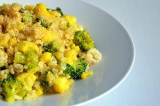 Veganska rižota s cvetačo in brokolijem