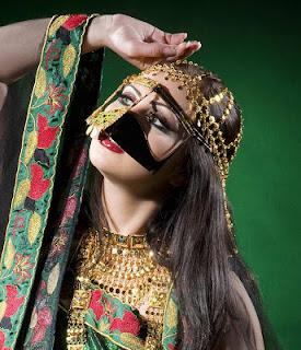Lastest  To Live Like An Omani Princess Omani Traditional Dress On The Runway