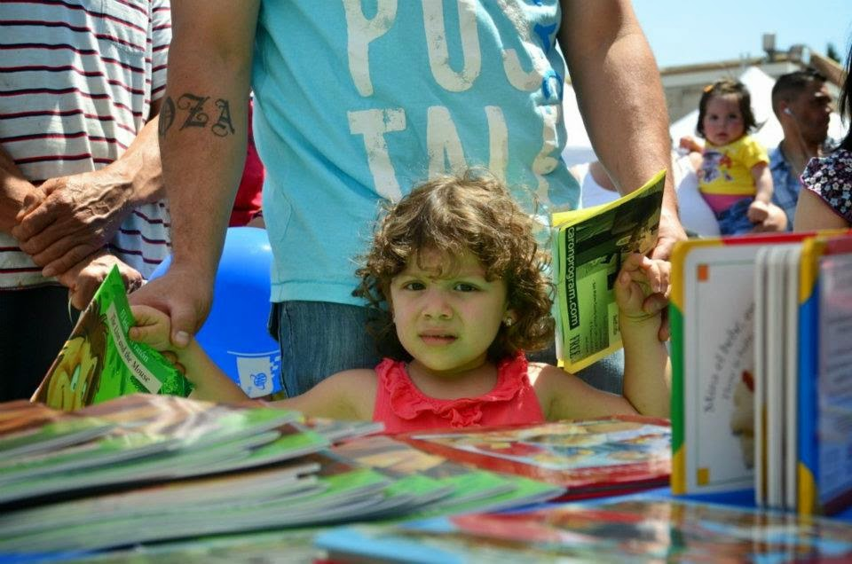 Free books at the Kermes Dia del Nino Festival - April 27, 2014
