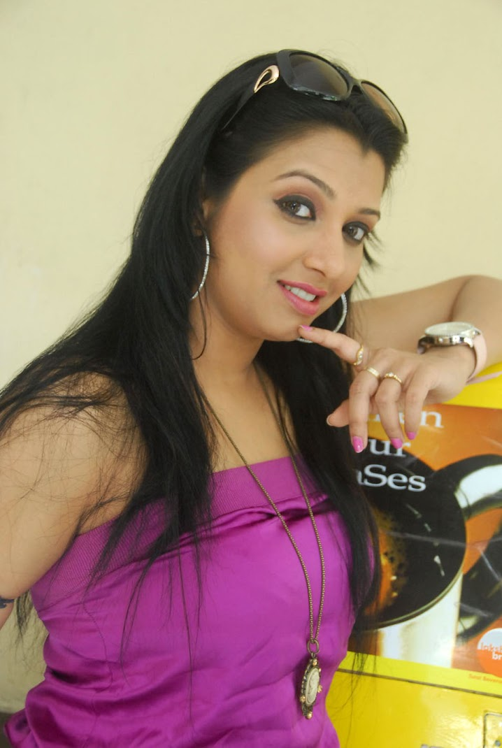 South Babe Siddi Hot Stills