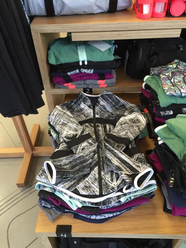 lululemon-find-your-bliss-jacket heat-wave