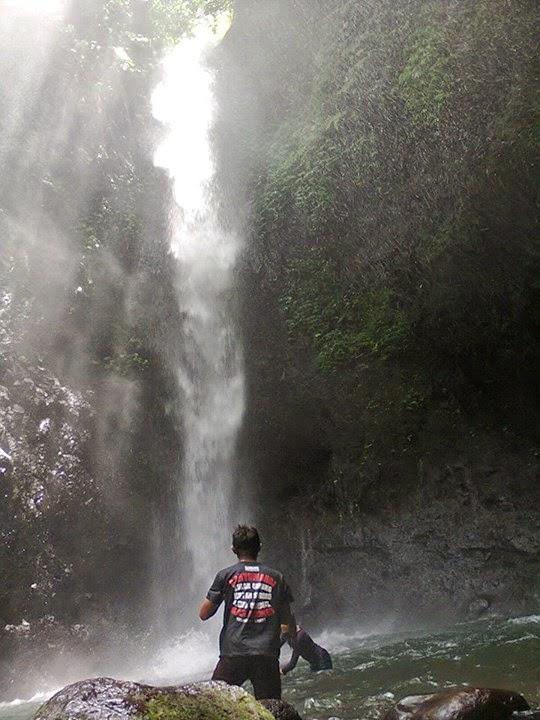 Air terjun Ketegan, Kampung Anyar, Kecamatan Glagah, Banyuwangi.