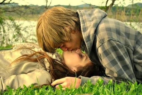 ảnh cặp đôi hôn nhau