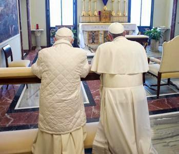 Preghiamo per il Papa Emerito Benedetto XVI , per Papa Francesco , per la Chiesa e i suoi pastori