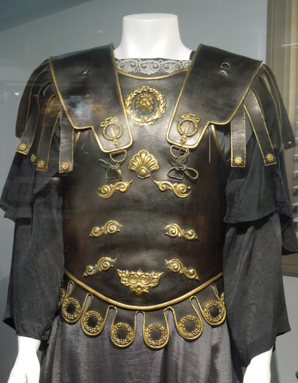 Commodus costume and throne from Gladiator on display ...