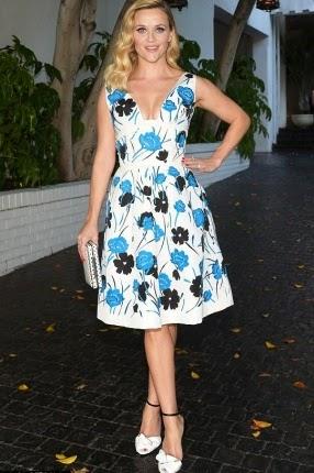 إطلالة أنيقة لريس ويذرسبون بفستان من أوسكار دي لارنيتا,  أزياء ريس ويذر سبون, فساتين ريس ويذر سبون,