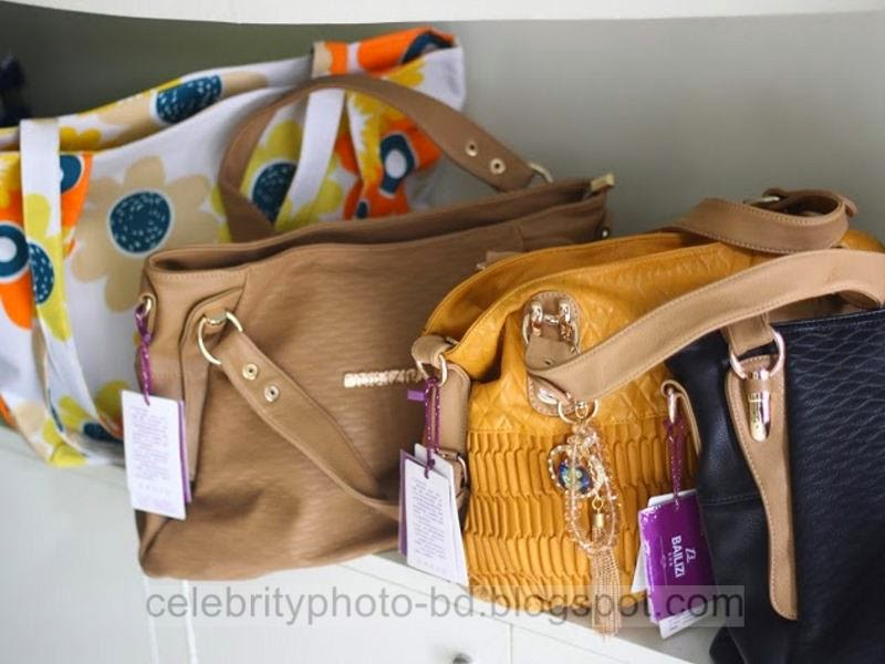 Latest+Fashionable+Vanity+Bag's+Photos+Collection+For+Modern+Generation+Girls+&+Ladies+2014 2015006