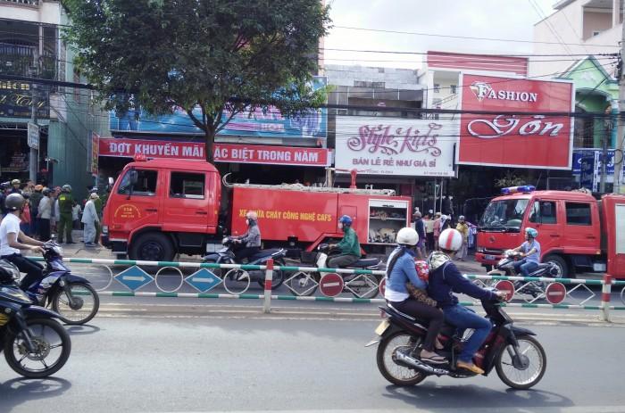 Gia Lai: Cháy lớn tại shop quần áo thời trang Việt Hàn ở trung tâm TP. Pleiku